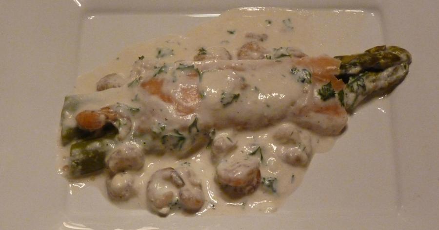 Roulades de saumon fum aux asperges et crevettes roses recettes cookeo - Comment presenter des crevettes en entree ...